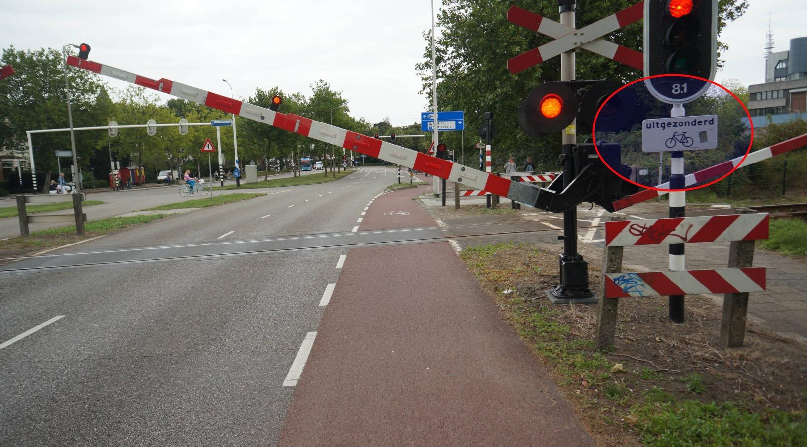 """Reikia publikos pagalbos. Vilniaus Eismo saugumo komisija ketina nagrinėti lentelės """"išskyrus dviračius"""" naudojimo galimybes."""